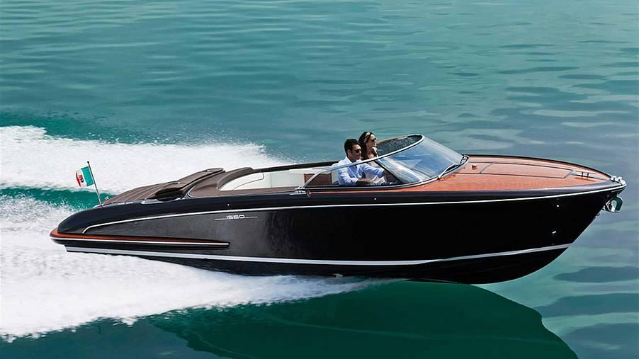 Riva Iseo im auf dem Wasser